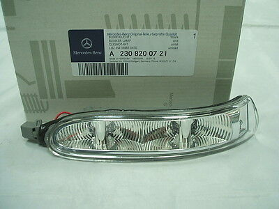 Genuine Mercedes-Benz CLK & SL LH Mirror Repeater Indicator Lamp A2308200721