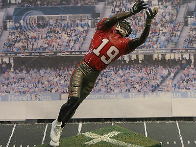 CUSTOM MCFARLANE FIGURES NFL  MLB  NBA COLLEGE Players Your Choice ... 4d88abfeb