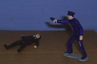 TOY SOLDIERS METAL 1930'S AMERICAN POLICE OFFICER SHOOTING CRIMINAL 54MM