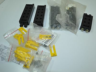 Lot of 5 Pneumatic Manifold Blocks with Clips and O-Rings - Rexroth ??