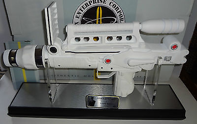 "JAMES BOND ""MOONRAKER LASER "" Limited Edition Prop Replica Factory Entertain NEW"