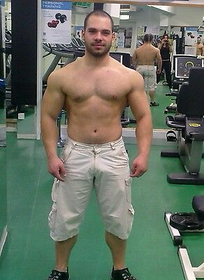 The gallery for --> Nathan Kress Flexing Biceps