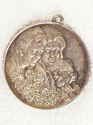 OUTSTANDING VINTAGE DOUBLE SIDED STERLING MOTHER'S DAY 1972 PENDANT w/ POEM