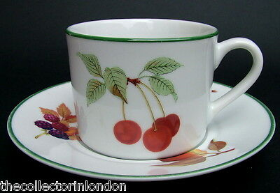 Royal Worcester Evesham Vale Pattern 260ml Tea or Coffee Cups & Saucers - in VGC