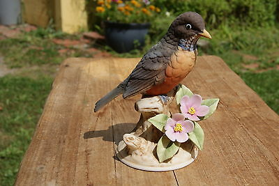 VINTAGE....ESTATE......ROBIN, BY ANDREA BY SADEK........ BIRD FIGURINE....JAPAN