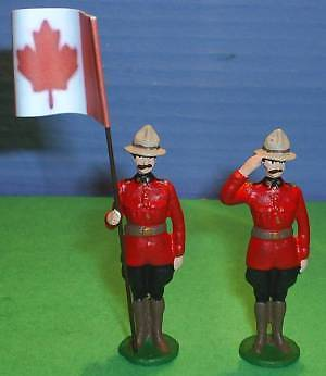TOY SOLDIERS METAL ROYAL CANADIAN MOUNTED POLICE RCMP FLAG BEARER SET OF 2 54MM