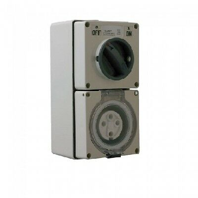 Industrial Three ( 3 ) Phase 4 Pin 40 Amp Switched Socket Outlet