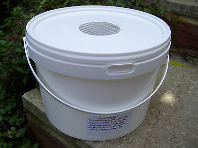 Four x 2.5lt Contact Feeders for Bees