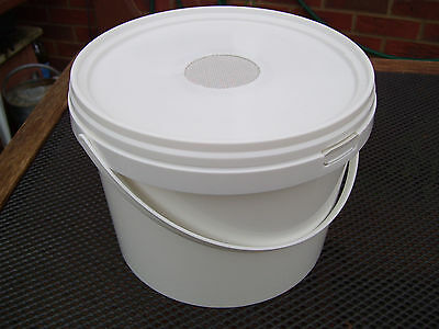 2 x 5lt Contact Feeders for Bees