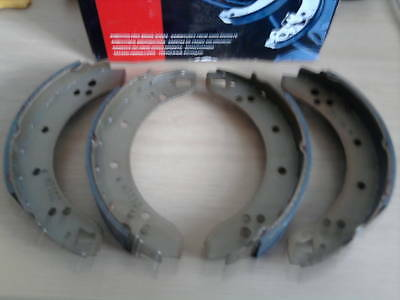 REAR BRAKE SHOES SET of 4  for  FORD ANGLIA 123e - 1960 to 1967 - BORG & BECK