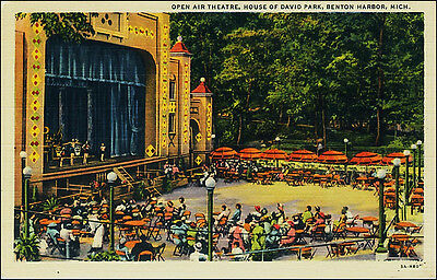 Open Air Theater, Performers. House of David Park, Benton Harbor, MI.  Linen.