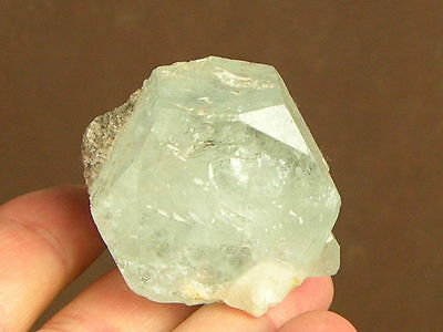 Excellent! 64g CLEAR BLUE COLLUMN Aquamarine(Beryl) Crystal with Mica