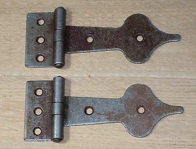 2 x Spearhead iron hinges - Vintage antique iron finish (45mm x 120mm)