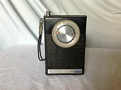 General Electric AFC Solid State AM-FM Transistor Radio