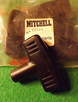 1 NEW OLD STOCK MITCHELL 4470 FISHING REEL FRAME HOUSING NOS # 82933