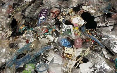 Wholesale Joblot 500 Fashion Jewellery-Necklace/Bangle/Earring/Hair/belts/scarfs
