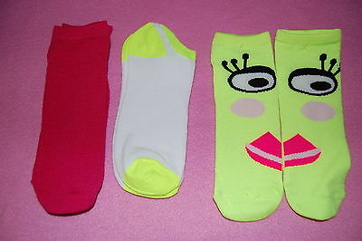 3 Pair LOT GIRLS Side by Side DESIGN SOCKS Fits Shoe Size 4-10 NEON LADY FACE