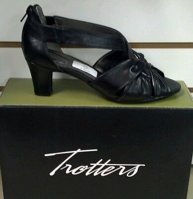 TROTTERS  ~CHARLIE~ REG. $99  NICE DRESSY SANDAL  LEATHER 1 3/4 in. to 2 3/4 in.