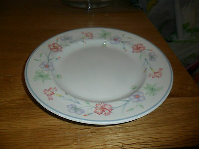 Boots Carnation Side Plates X 4