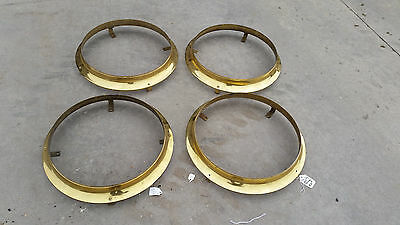4 available brass rings with mounts (LT 505 )