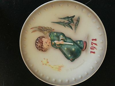 1971 Hummel Plate Heavenly Angel First Issue