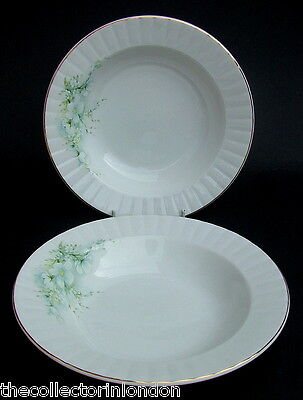 Royal Stafford Blossom Time Pattern Rimmed Soup Pasta or Dessert Plates 21cm VGC