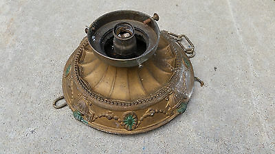 ornate urn fixture   (LT 584)