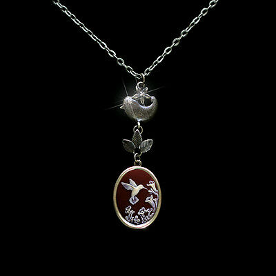 Adorable Hummingbird Detailed Cameo Photo Locket Bird Leaves Pendant Necklace