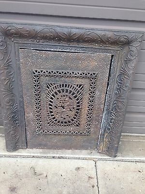 Antique Cast-Iron Fire Front With Cherub Ci 14