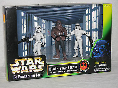 STAR WARS - POWER OF THE FORCE - DEATH STAR ESCAPE - 3 FIGURES- Mint Sealed POTF