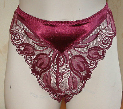 BNWT Charnos Rapport RA005 Lace Thong in Lilac White and Black