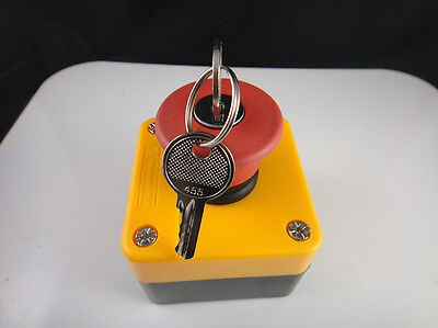 660V Red Sign Emergency Stop Push Button Switch With Key