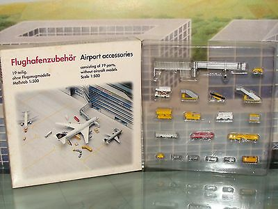 Herpa Wings 500 Scenix Airport Accessories 19 parts 1/500 519472 **Free S&H**