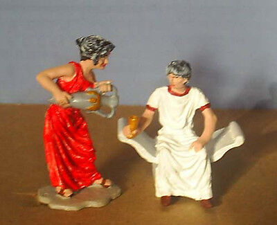 TOY SOLDIERS METAL ANCIENT ROMAN SLAVE WOMAN POURING WINE IN SENATORS CUP 54MM