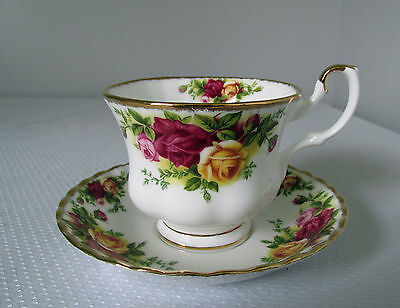 Pattern Old Country Roses By Royal Albert China Cup & Saucer 1962 Excellent Ltd