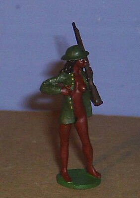 NUDE AMERICAN METAL WORLD WAR 1 WWI US MARINE WOMAN WITH RIFLE 54MM