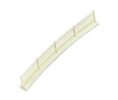 """Hornby R513 '00' Gauge Platform Fencing 6 x 6.5"""" lengths with Ramps - Clips On"""