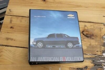2004 GM Chevrolet Tire & Wheel Systems Product Binder.