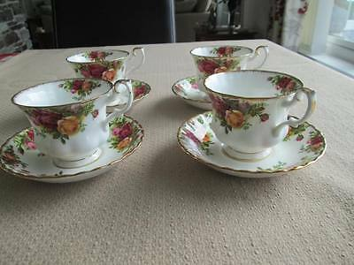 VINTAGE ROYAL ALBERT OLD COUNTRY ROSES SET OF 4  TEA CUPS & SAUCERS  1st QUALITY