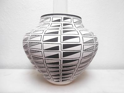 Large Hand Coiled Acoma Pottery Native Indian Pueblo Fine Line by Beverly Garcia