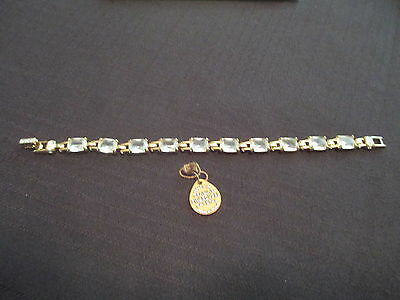 Vintage  Beautiful Signed Swarovski Nirvana Crystal Bracelet