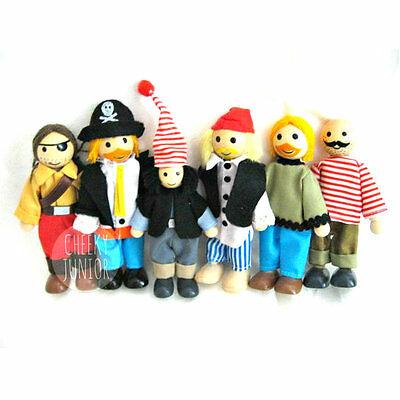 NEW Fun Factory Wooden Doll House Posable Family of 6 - Pirates Free Postage