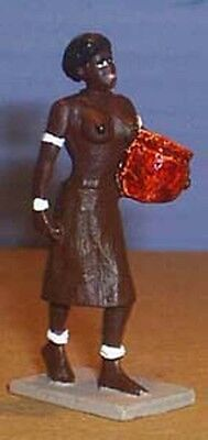 TOY SOLDIERS TIN AFRICAN FEMALE ZULU STANDING WITH POT 54M