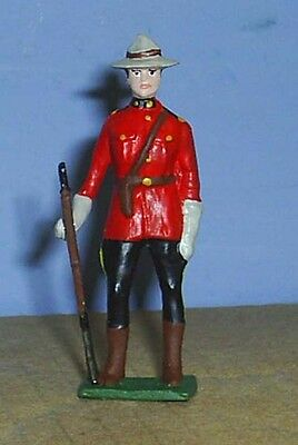 TOY SOLDIERS METAL RCMP OFFICER HOLDING RIFLE 54MM