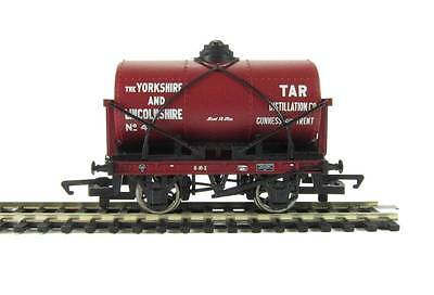 """OO scale Hornby """"Yorkshire & Lincolnshire"""" 12 Ton Tanker R6570 (NH36W)"""