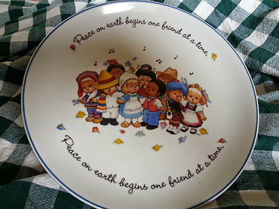 Collector plate - Friends Around the World