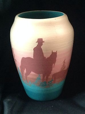 BEAUTIFUL HANDPAINTED NATIVE AMERICAN VASE BY SHERRY SILVER THUNDER