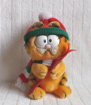 Vintage Garfield Soft Toy With Hat, Scarf & Skies Collectable TV Character 1978