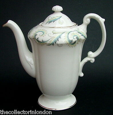 Royal Standard Discontinued Garland Pattern 1.25pt Coffee Pot & Lid in VGC