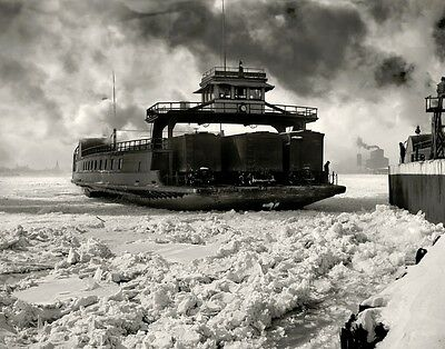 PHOTO DETROIT MICHIGAN AUOTMOBILES TRAIN CARS FERRY BOAT ICE FROZEN LAKE ERIE